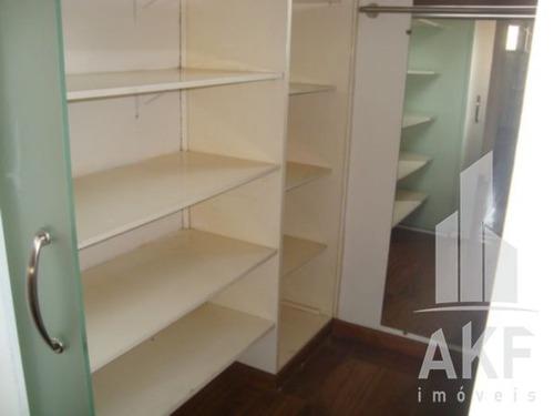 otima localizacao, perto de tudo, padarias, farmacias, restaurantes, amplo, 04 dormitorios (1 suite) - v-6318