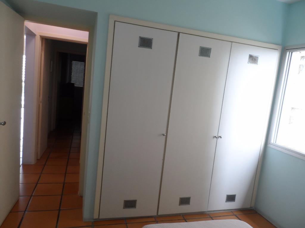 ótimo apartamento 2 dormitórios com dependência - frente ao mar - astúrias - guarujá - ap0961