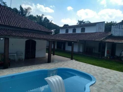 ótimo imóvel com 4 dormitórios! possui piscina e escritura!!
