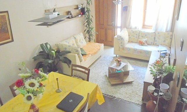 ótimo imóvel em condomínio de poucas casas. ref 79208