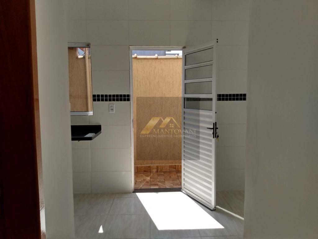 ótimo sobrado de 2 dormitórios, sala, lavabo, cozinha ampla, área de serviço, excelente acabamento, ótima localização em praia grande/sp. - so0112