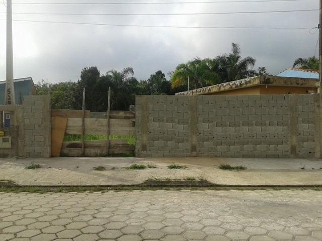 ótimo terreno no jardim palmeiras, em itanhaém, rua calçada.
