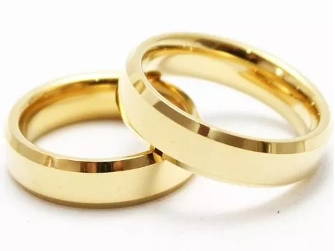 ouro casamento alianças