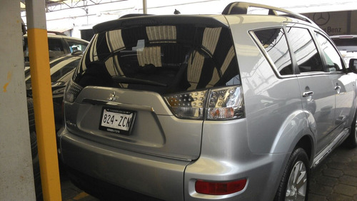 outlander limited 7 pasajeros