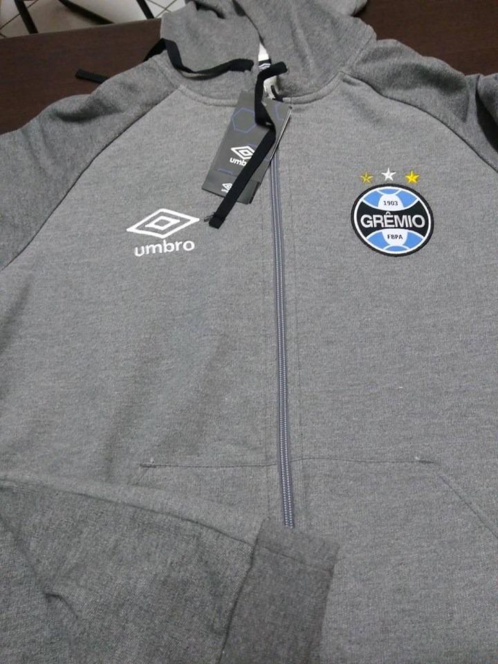 30eba837e16c7 outlet 904 jaqueta gremio oficial umbro nations 2018 uruguai. Carregando  zoom.