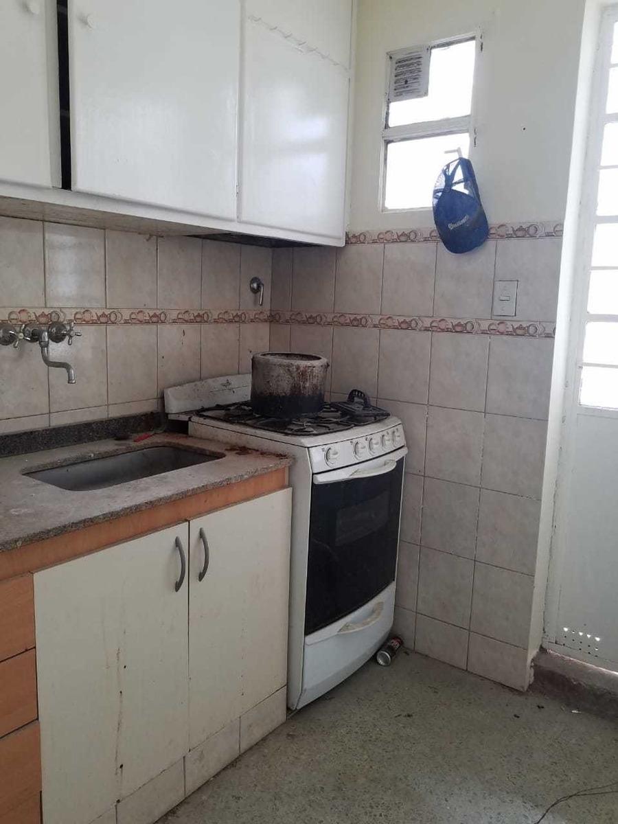 p. avellaneda, azul 550; gran depósito +3 viviendas; 600 m2
