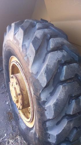 pá carregadeira michigan ótimo estado pneus novos