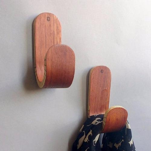 pablo, perchero,colgador, percha de pared de madera doblada.