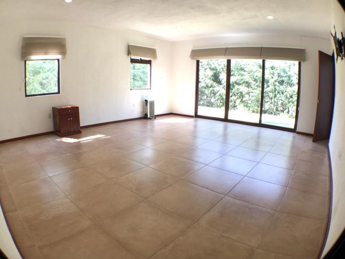pachuca, hermosa y amplia casa en condominio en  zona exclusiva de pachuca