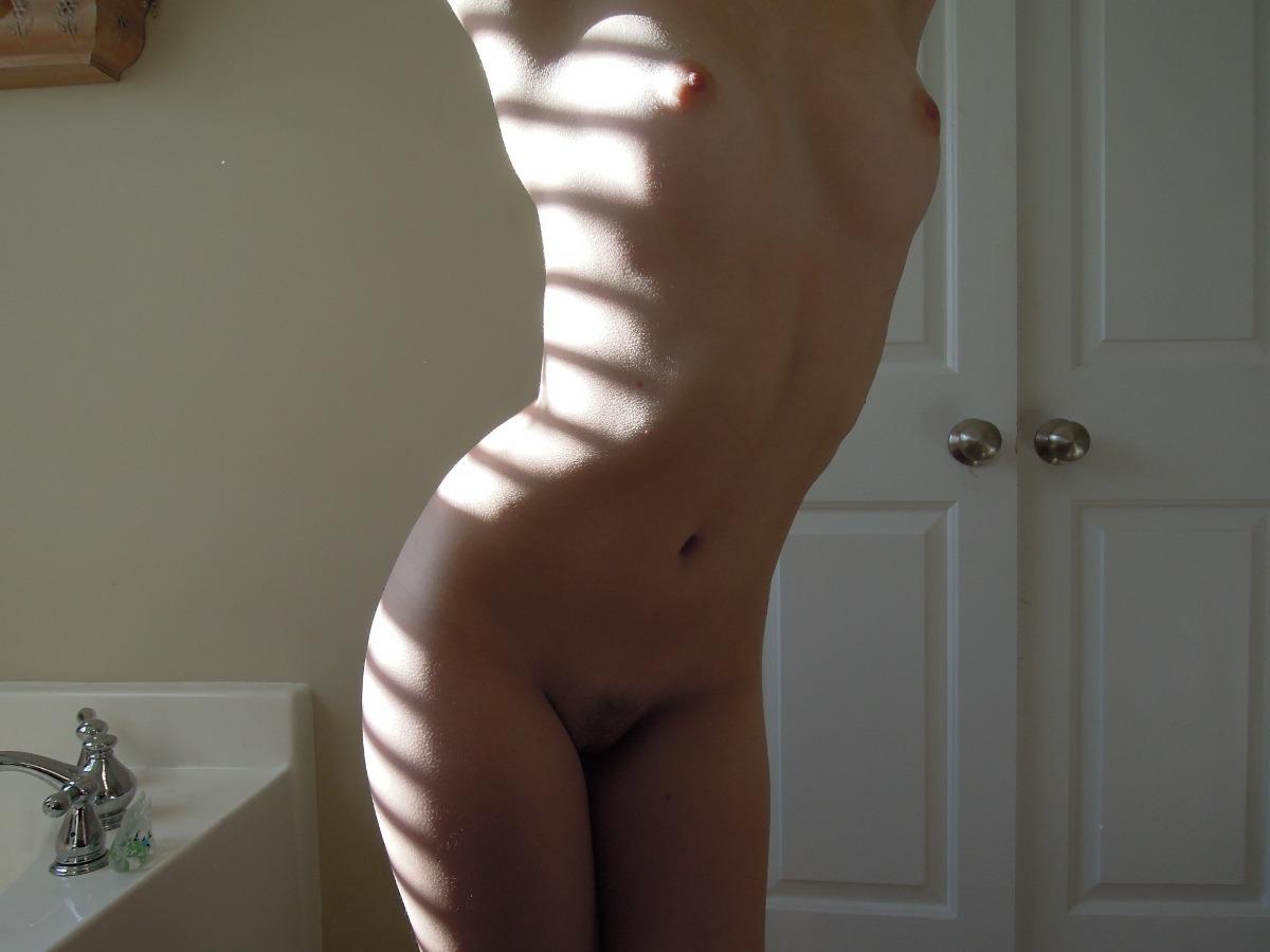 Pack 4 De 60 Fotos De Mi Novia Jugando Desnuda