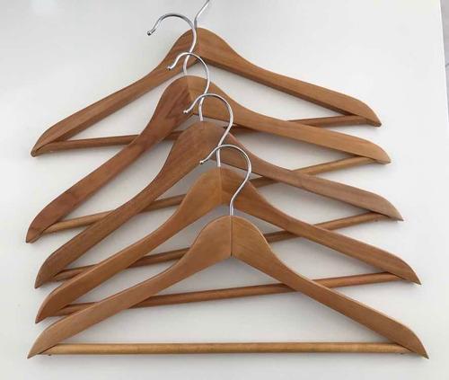 pack de 15 perchas de madera barnizada infantiles