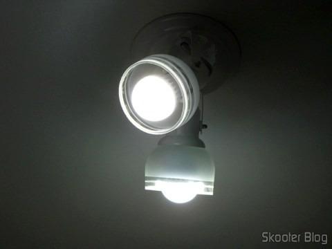 pacote 10 lâmpada led 9w rosca e27 branco frio bivolt