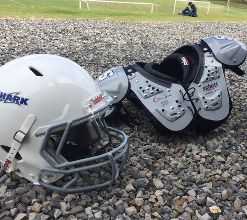 #pad marca schutt e #capacete riddell de 11 a 15 anos.