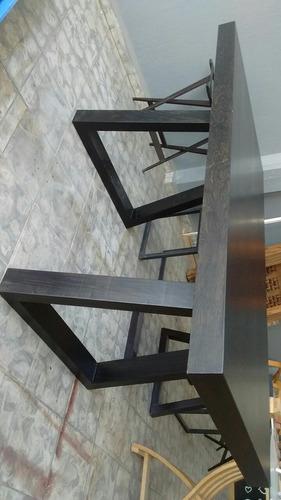 padrisima mesa negra  con base trapecio