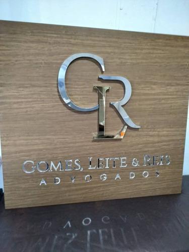 painel em acm com sua logomarca em pvc expandido p/ recepção