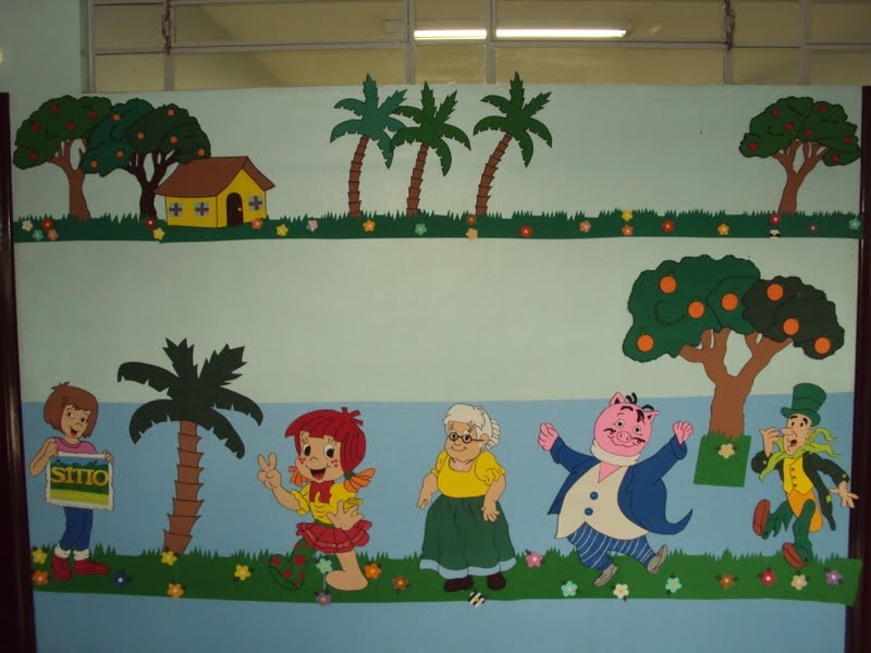 Painel em e v a decorativo tema s tio do pica pau for Mural de isopor e eva