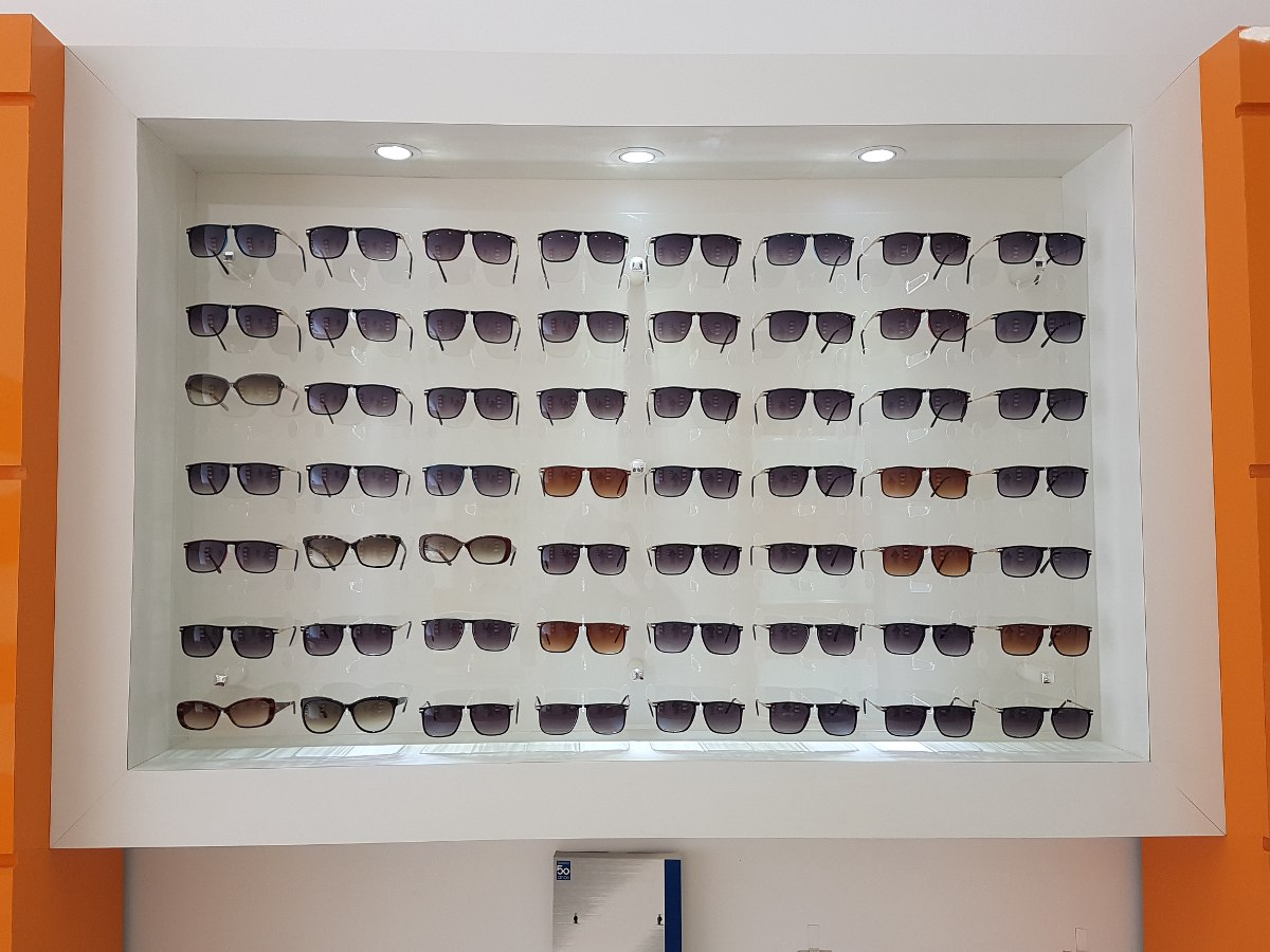 b6d643f3518ab painel expositor oculos mdf acrilico e lampadas leds. Carregando zoom.