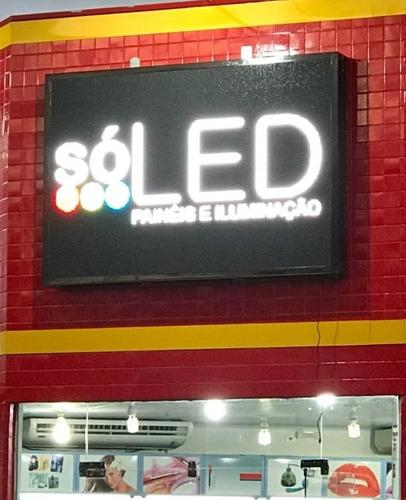 painel led posto metro