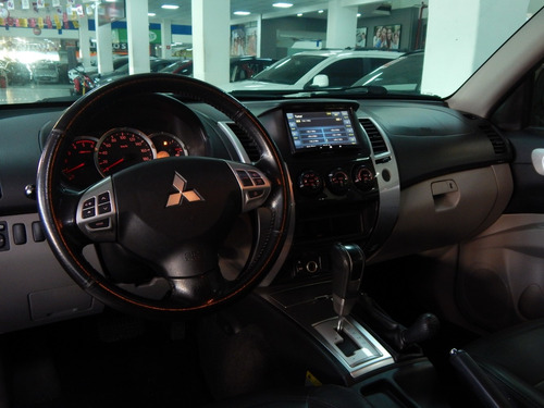pajero dakar diesel  3.2 4wd automatica 7 lugares