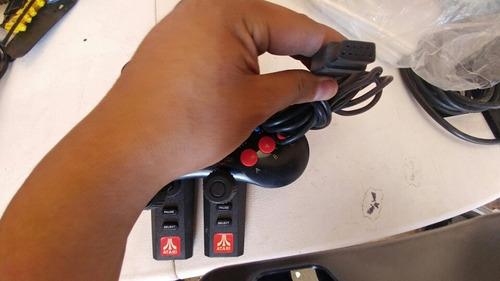 palancas y controles de atari en excelente estado