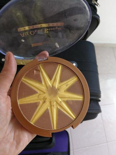 paleta de maquillaje bronce y dorado marca beauty treats