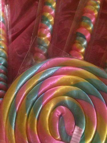 paleta y espiral de caramelo macizo para baby shower
