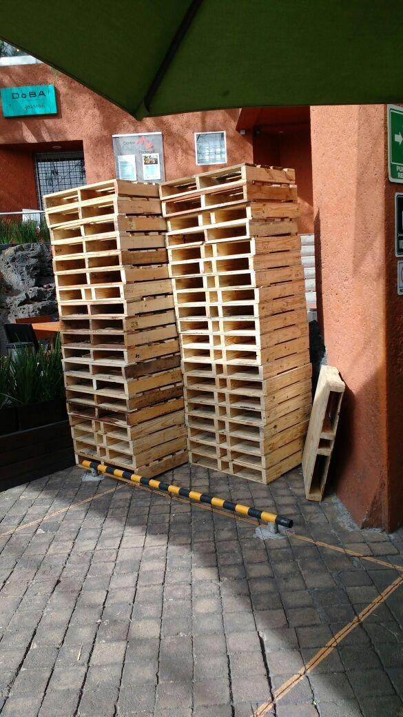 Palets o tarimas recicladas de madera en mercado for Tarimas de madera recicladas