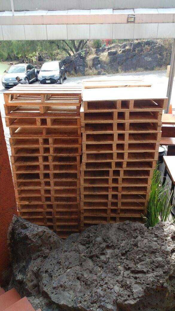 Palets o tarimas recicladas de madera en mercado - Tarimas de madera recicladas ...