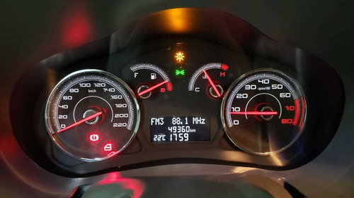 palio essence 1.6 mec. - completo - 2013