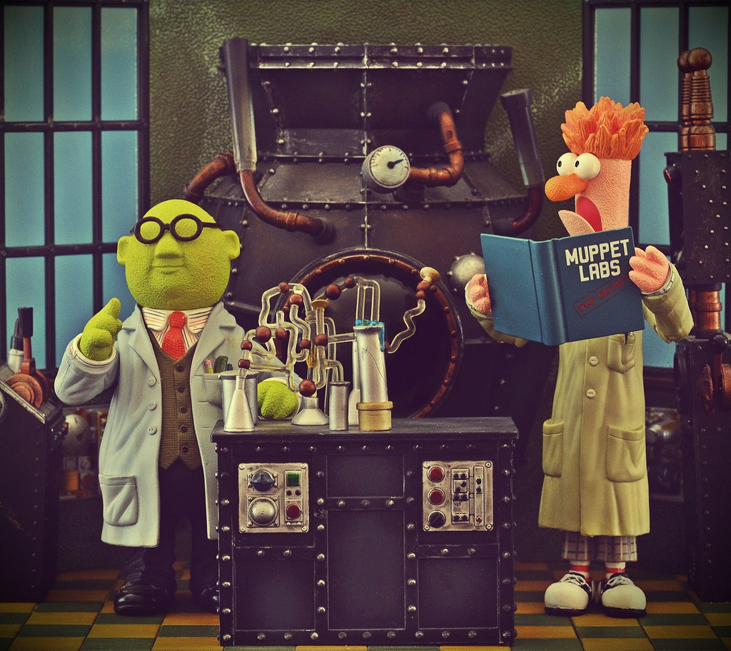 Palisades The Muppet Show Labs Beaker Playset & Dr. Buns ...