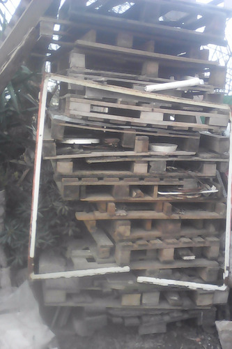 pallets madera $ 110 c/u a llevar toda la pila