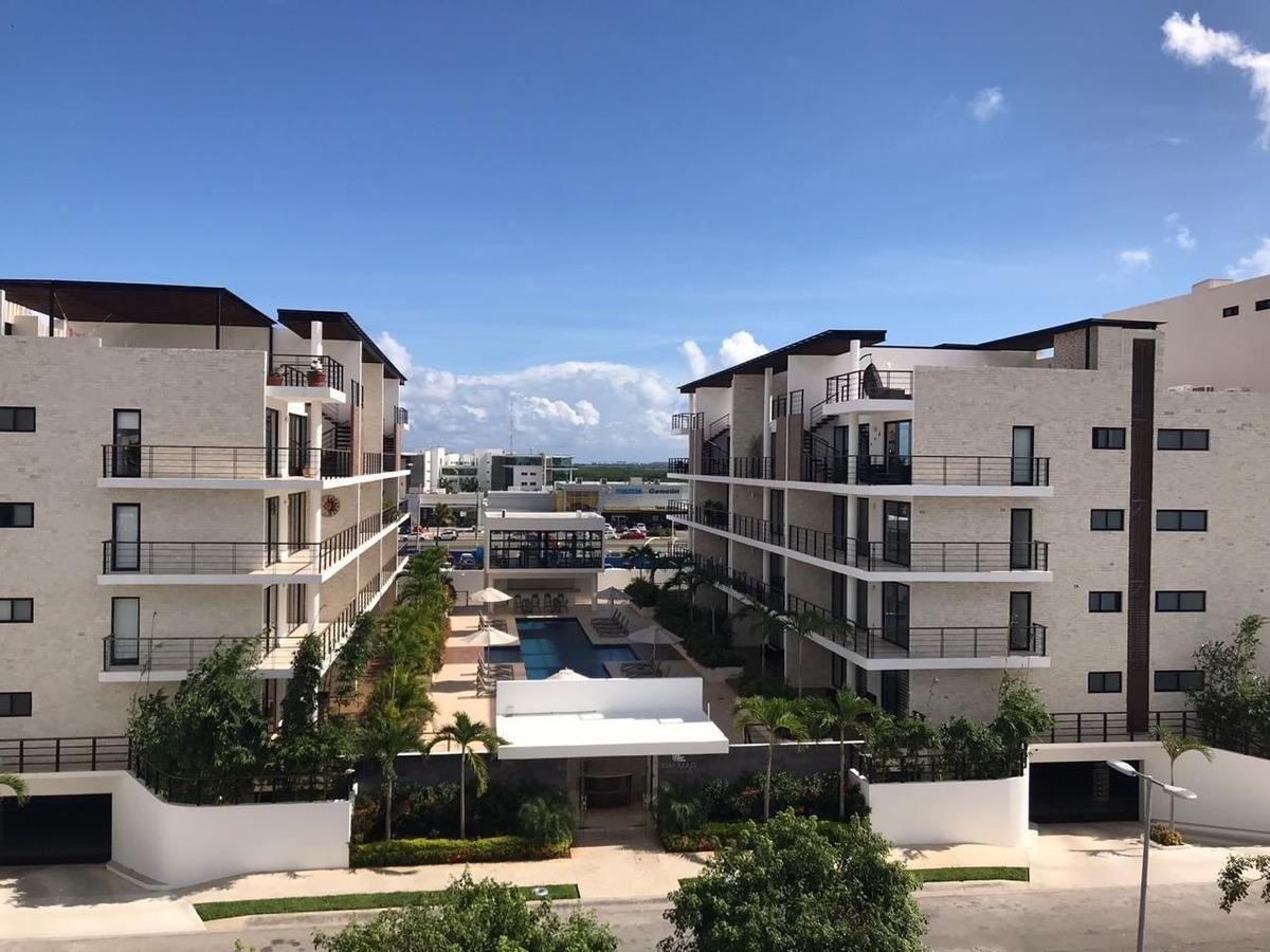 palmar residencial: departamento con tres recamaras