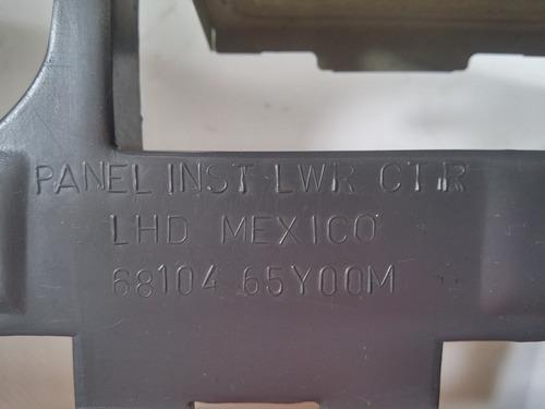 panel consola central radio nissan sentra 68104-65y00