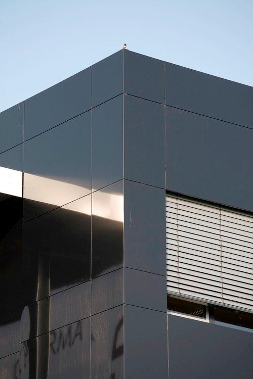 Panel de aluminio compuesto pac connexa fachada for Fachada aluminio