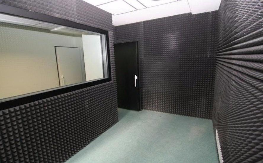 Panel foam piramidal acondicionamiento ac stico envio s 55 00 en mercado libre - Aislante acustico para paredes ...