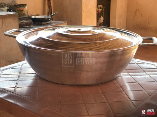 panela grande de alumínio fundido com tampa e alças nº50