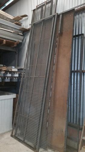 paneles divisores  de alambre artístico con marco de hierro