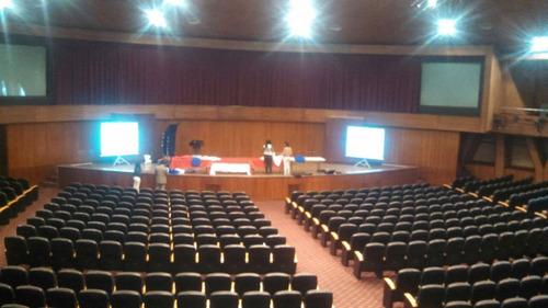 pantalla gigante de datashow aula magna uasd