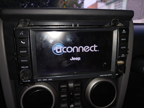 pantalla town and country y jeep