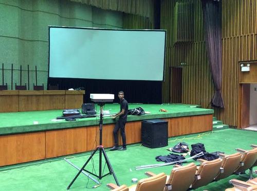 pantallas gigantes de datashow