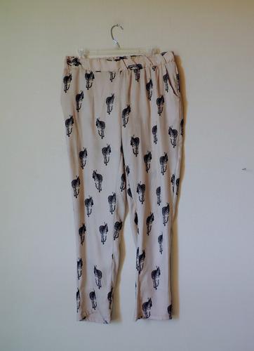 pantalón basement diseño cebra