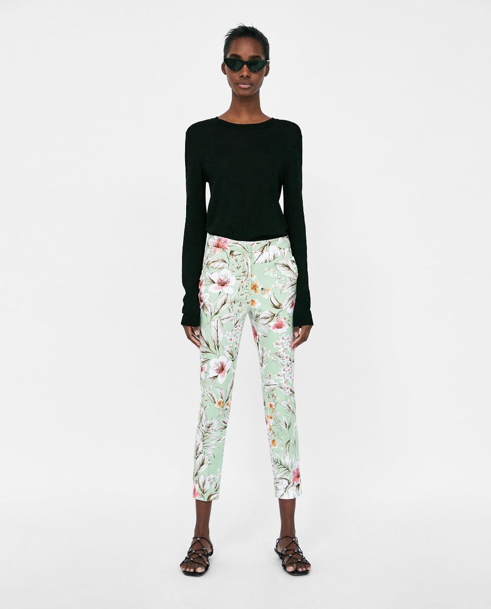 e734361aa0 pantalón chino estampado flores dama zara. Cargando zoom.