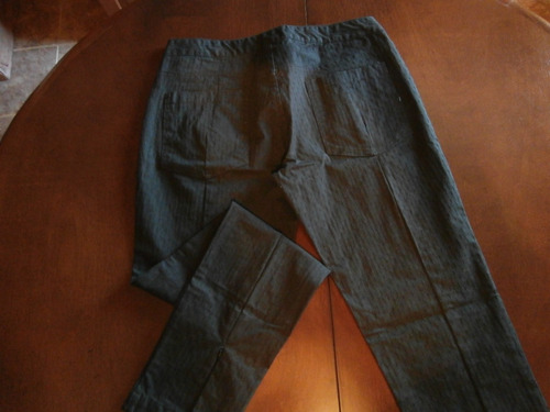pantalón  con corte jean en algodón con spandex. talle 40.