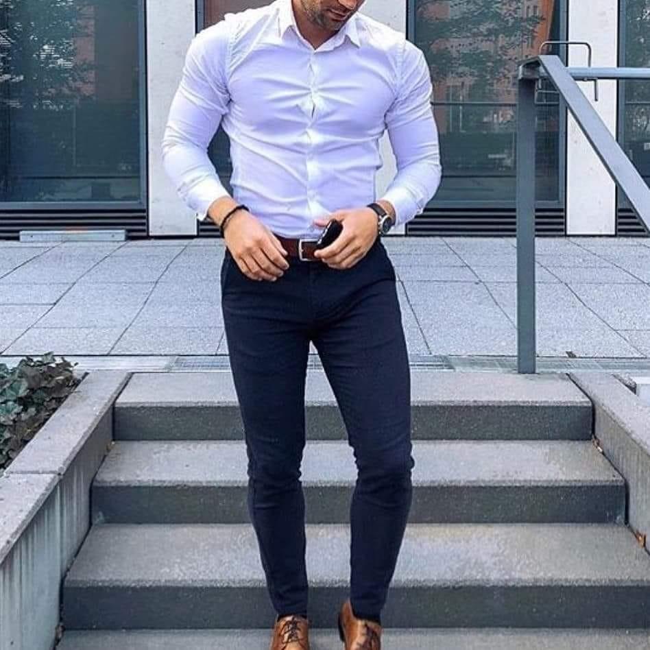 4a7f747b21a59 pantalon corte chino chupin gabardina + camisa entallada. Cargando zoom.