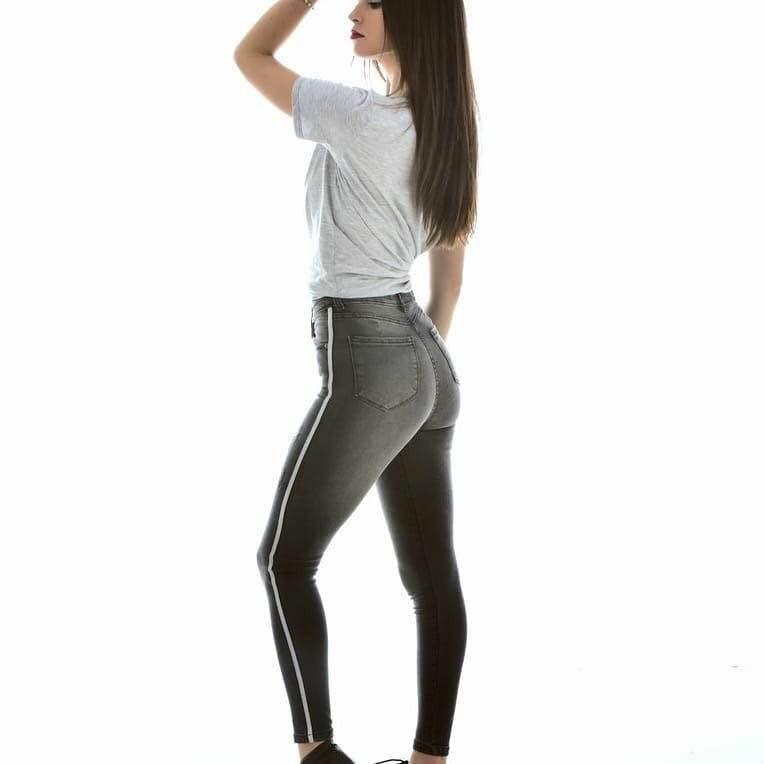 5d9cd4d14 Pantalón Jean Super Chupin Con Linea Elastizado Mujer -   799