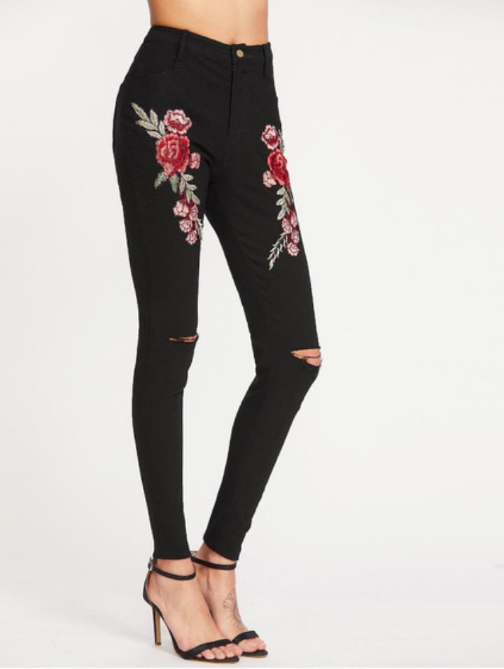 Pantalón negro bordado