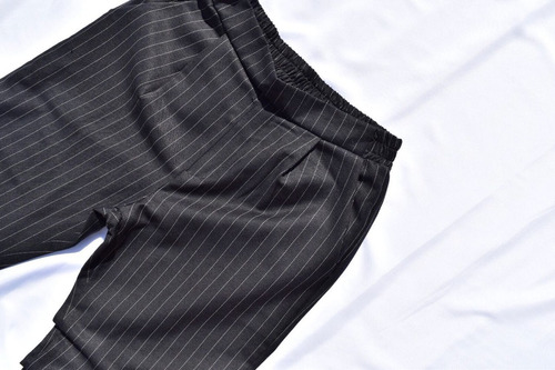 pantalon negro de sarga linea diplomatica