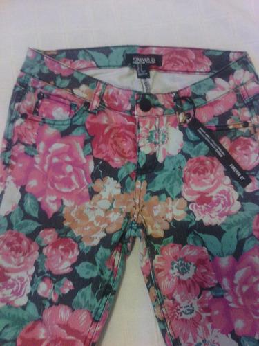 pantalon tipo jeans forever 21 de flores