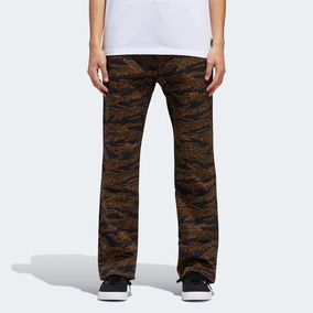 47bb902d59caa Pantalones De Mezclilla Adidas Originals - Pantalones y Jeans de ...