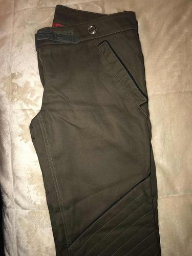pantalones uma